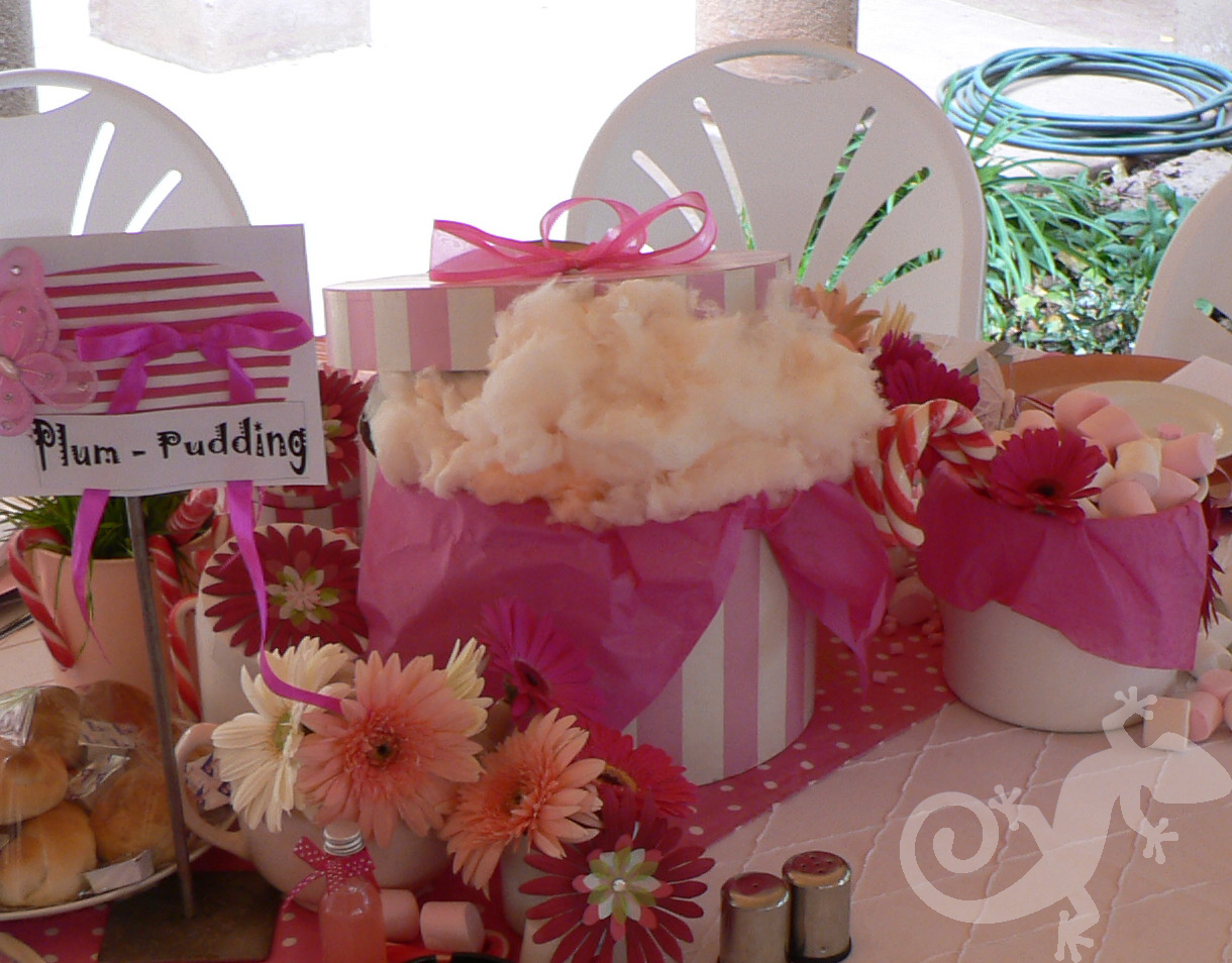 Alice in Wonderland, table decorations