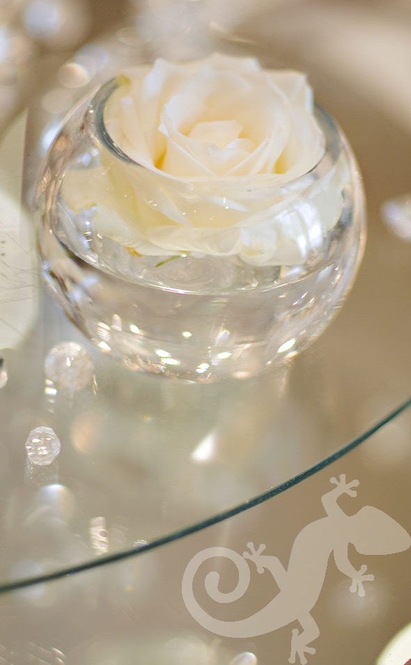 Wedding I do, rose, apple vase