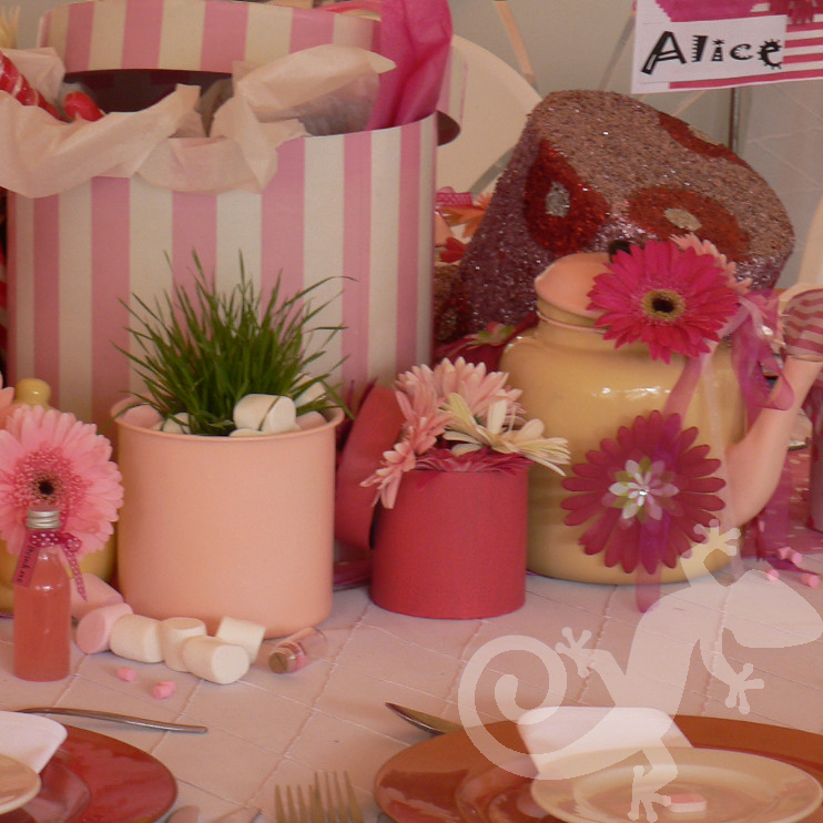 Alice in Wonderland hatboxes teapots