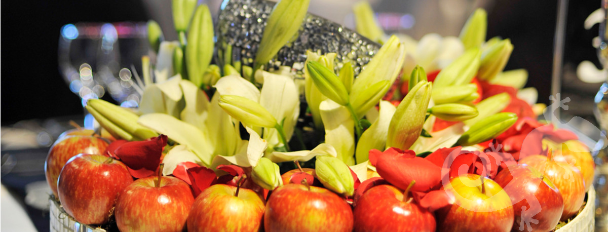 Awards Evenings events cylinder vases roses apples