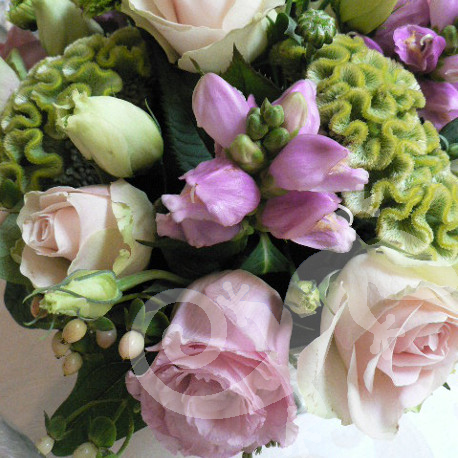 Enchanting floral arrangements, pastel colours