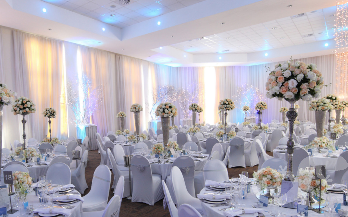 classic elegance, I do, white wedding, roses, style, romantic lighting