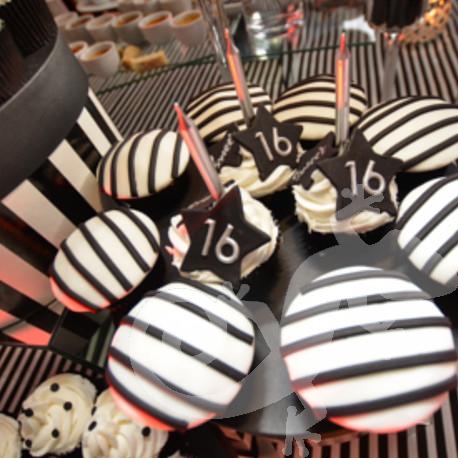 Great Gatsby, sweet, sweet 16th birthday celebration, dessert buffet, cupcakes